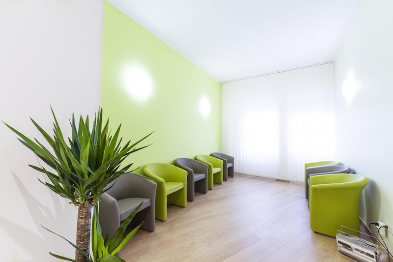 Studio medico odontoiatrico san gottardo dentista a for Arredamento studio medico